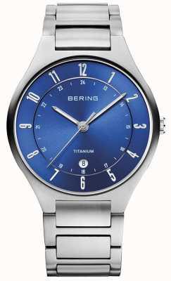 Bering Mens di titanio grigio cinturino blu dialwatch 11739-707