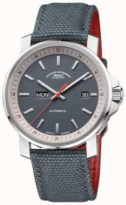 Muhle Glashutte L'orologio grigio in acciaio inossidabile datum con etichetta 29er M1-25-34-NB