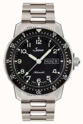 Sinn 104 a un classico orologio da pilota con cinturino in acciaio a due maglie 104.011 TWO LINK BRACELET