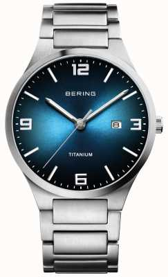 Bering Orologio da uomo con quadrante blu in titanio spazzolato 15240-777