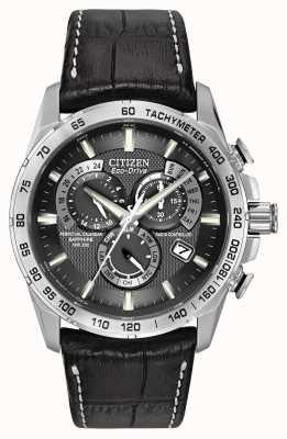 Citizen Mens radiocontrollato perpetuo al cronografo in pelle nera AT4000-02E
